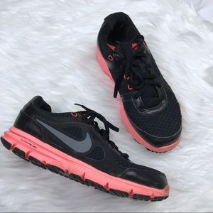 Nike Lunarlon sneakers black and coral